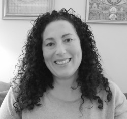 Liat Hoch – Child, Adolescent and Adult Psychotherapist